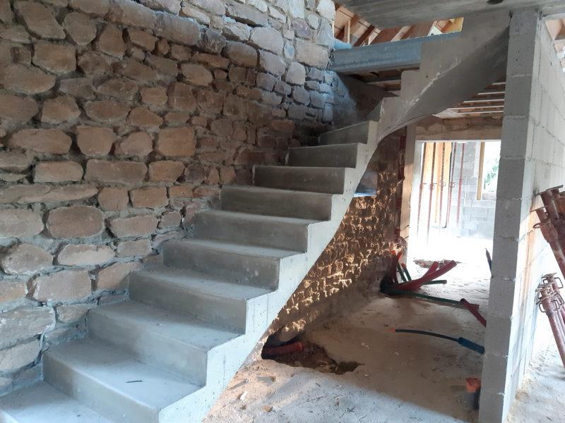 escalier-beton-tregastel